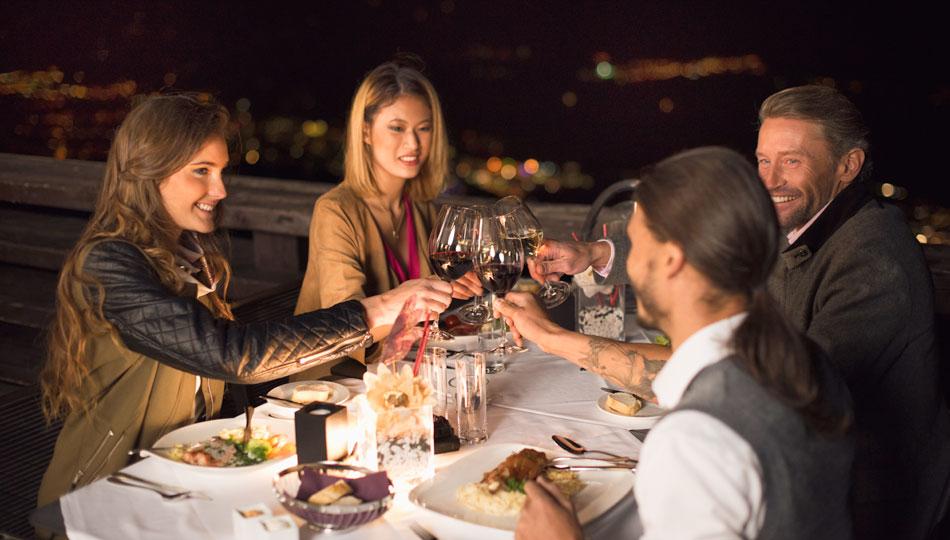 [Translate to Englisch:] Abendessen Innsbruck Nordkette